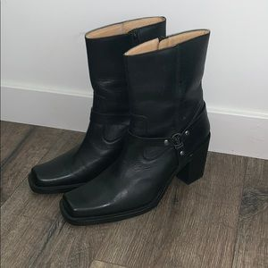 Frye boots worn once black genuine leather